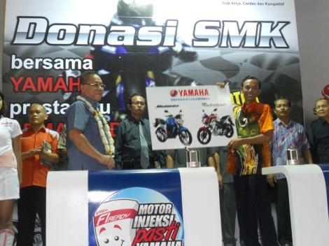 Donasi SMK Bersama Yamaha
